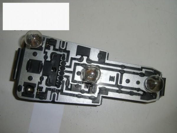 Lampenträger hinten rechts - VW PASSAT Variant (32B) 1.6 TD 321945257G
