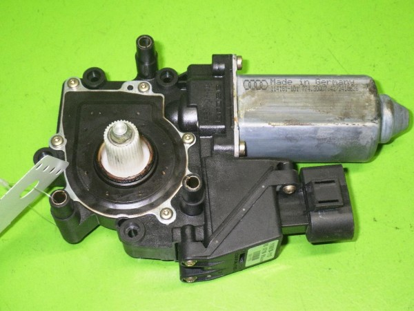 Motor Fensterheber Tür vorne rechts - AUDI (NSU) A6 (4A, C4) 1.9 TDI 4A0959