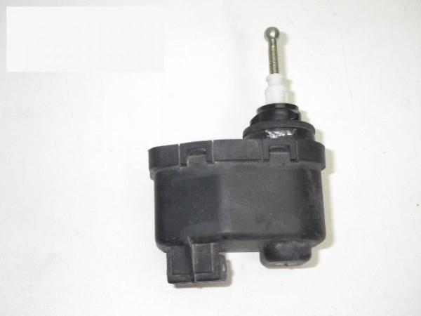 Stellmodul Scheinwerfer-Regulierung links - VW PASSAT Variant (3A5, 35I) 1.8 8A0941295