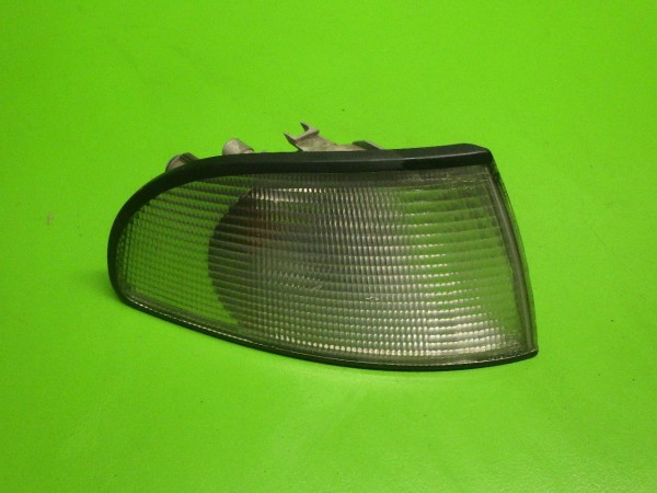 Blinkleuchte vorne rechts komplett - AUDI (NSU) A4 (8D2, B5) 1.6 8D0953050