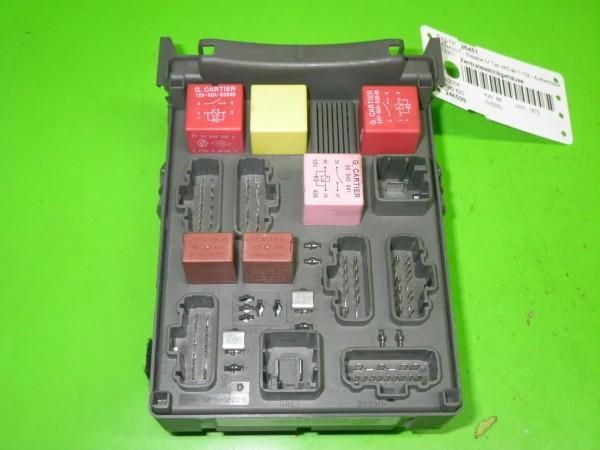 Sicherungskasten - RENAULT ESPACE IV (JK0/1_) 1.9 dCi (JK0U, JK0G) 8200004201