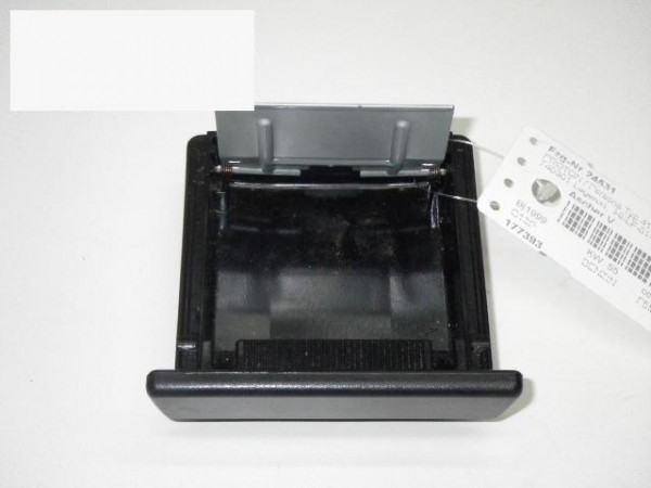 Aschenbecher vorne - PROTON PERSONA 300 (C9_M) 313i