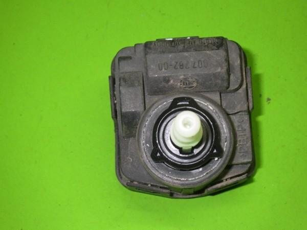 Stellmodul Scheinwerfer-Regulierung links - VW GOLF III (1H1) 1.6 00728200